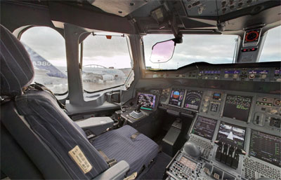 Airbus-A380-Cockpit.jpg