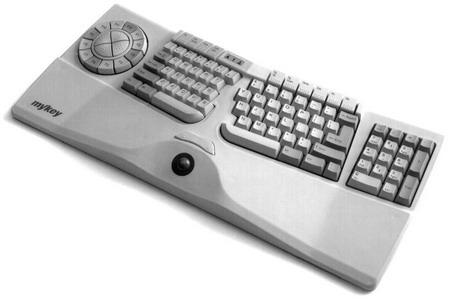 キーが遠いキーボード